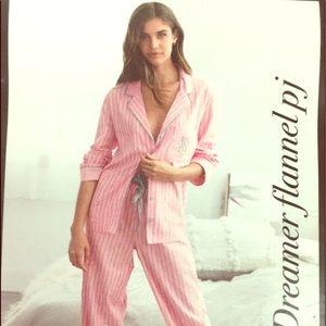 Victoria's Secret Dreamer Flannel PJ Size XL